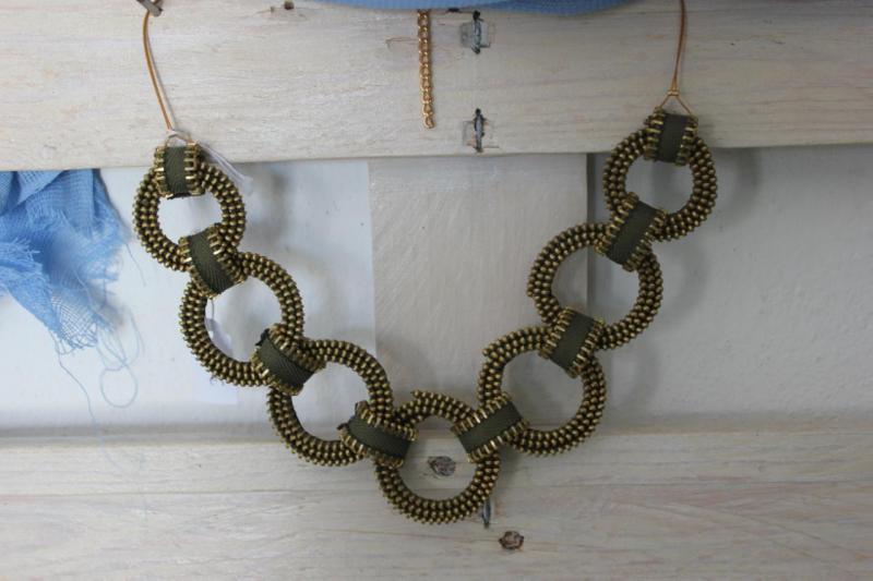 7eb356c499 Χειροποίητα κοσμήματα και αξεσουάρ μόδας από φερμουάρ